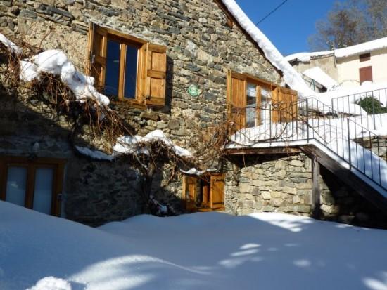 Un gîte bien isolé, facile à chauffer et bien équipé pour vos vacances d'hiver.